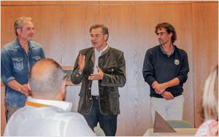 Peter Berek, Bürgermeister von Bad Alexandersbad, Matthias Kühl und Christian Hartmann (Inhaber vom Fachverlag für Osteopathie Jolandos )bei der Abschlussveranstaltung des BVO-Workshopwochenendes. | Clap Tzu